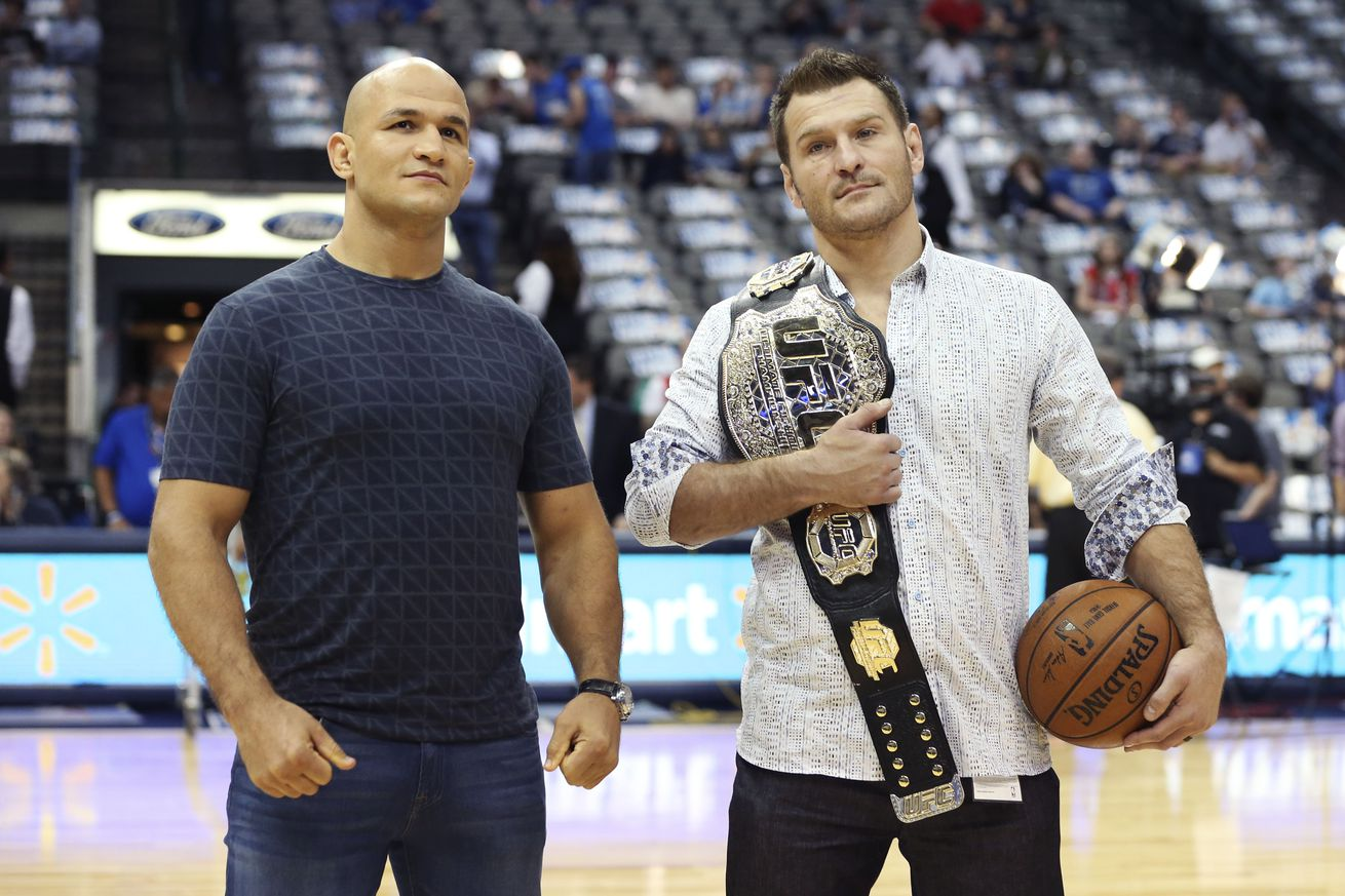 UFC 211: Junior dos Santos predicts early stoppage victory over Stipe Miocic in Dallas