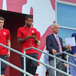 The President of the US Soccer Federation, Sunil Gulati (second from the right), was in attendance last night.