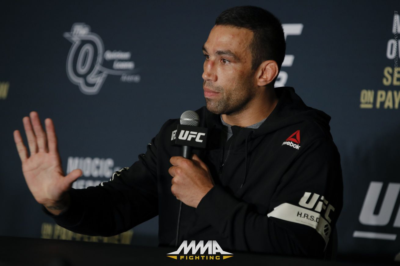 Fabricio Werdum on Luke Rockholds callout: Why would I fight a chicken?