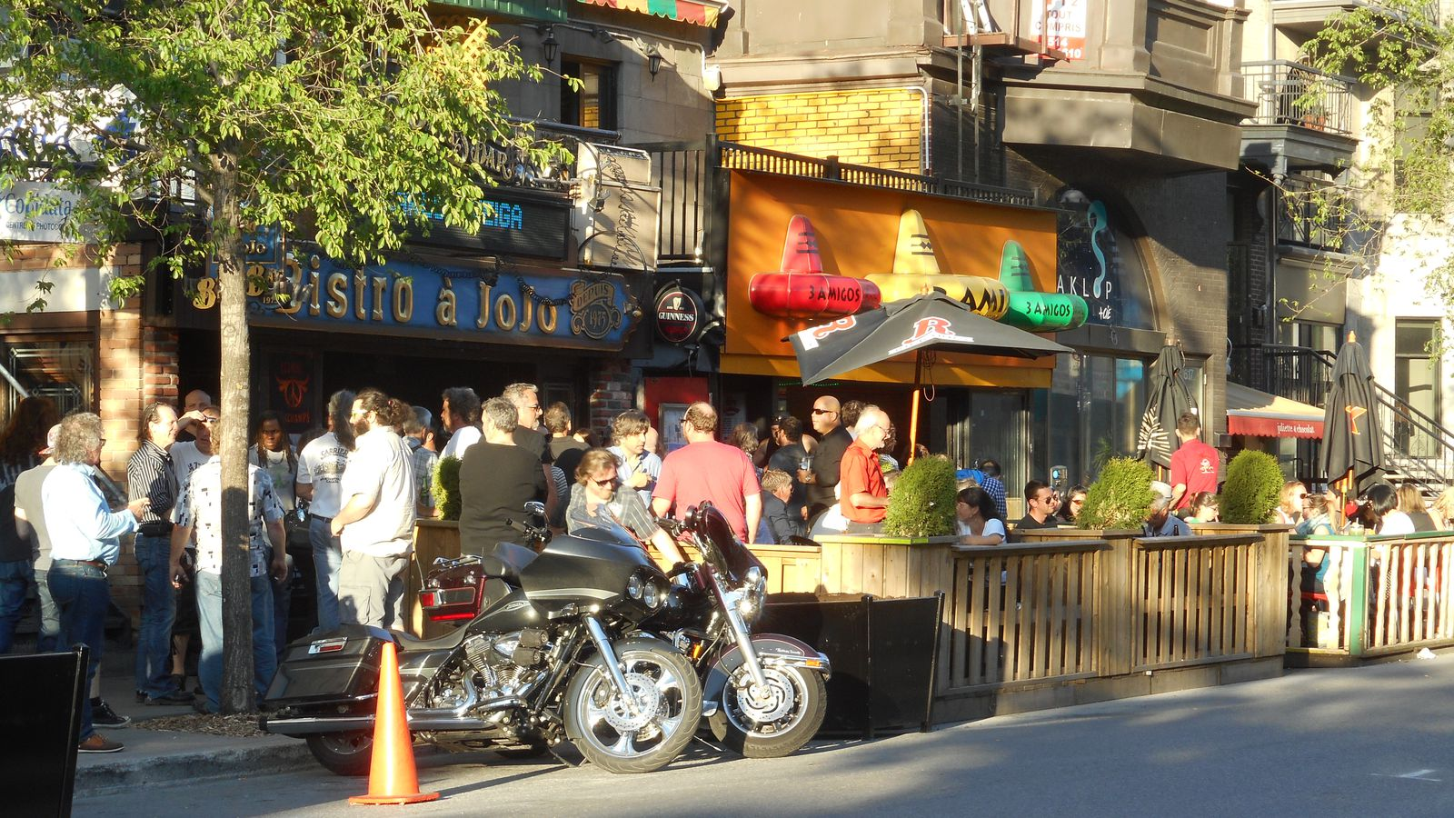 Yes quebec did fine smokers on terrasses this summer eater montreal - Terrasse jardin paris saint denis ...