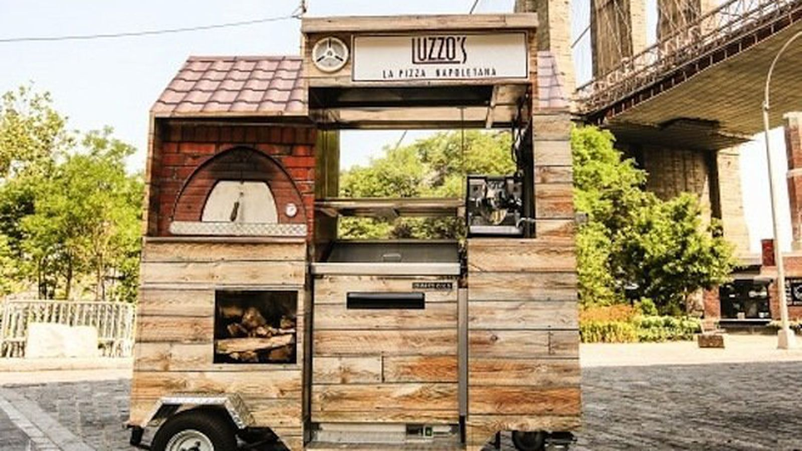 This Is The World 39 S Smallest Wood Fired Pizza Cart Eater