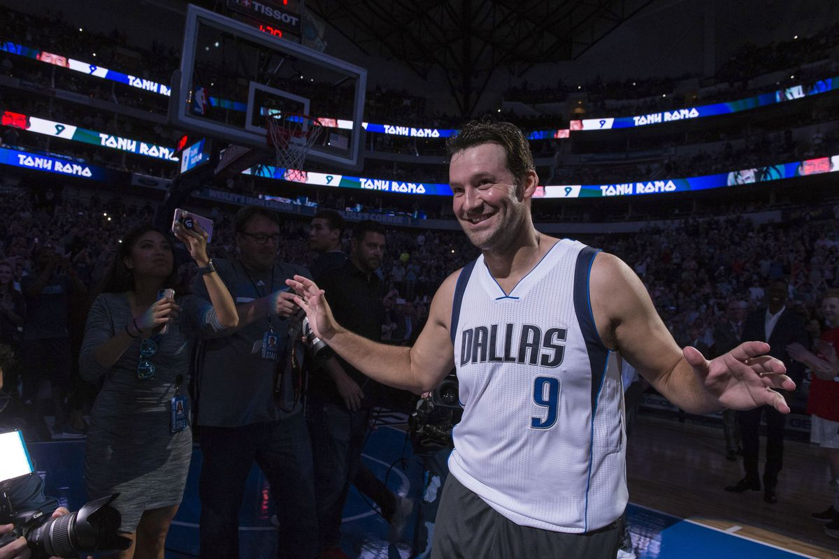 Tony Romo torches nets in Dallas Mavericks pregame warmups