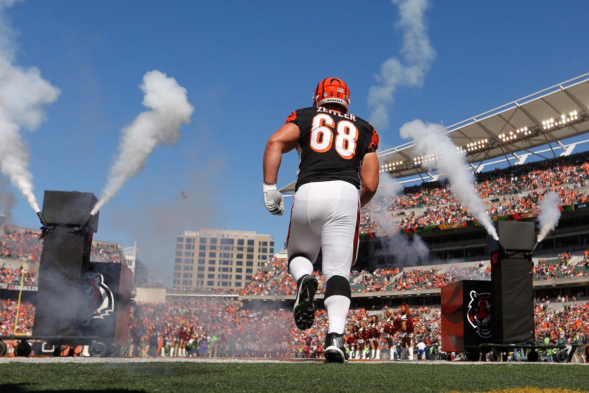 Browns sign Joel Bitonio to contract extension; Signing center JC Tretter