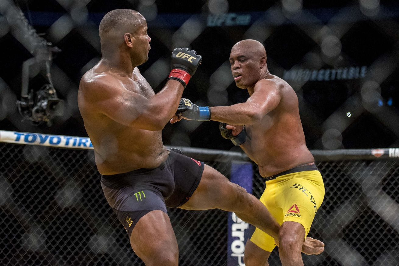 Daniel Cormier was a little star struck by Anderson Silva at UFC 200