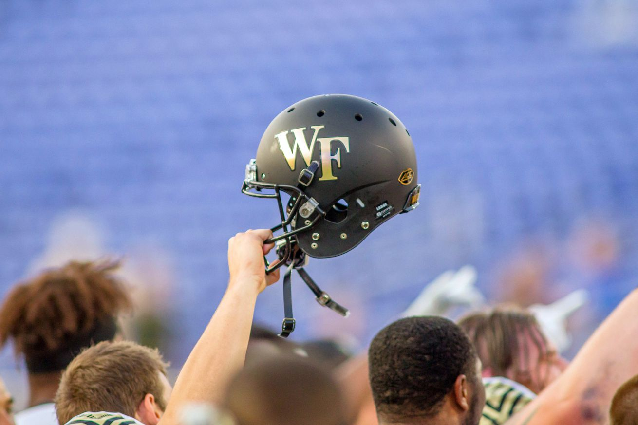 Duke, Wake Forest take different approaches to QBs