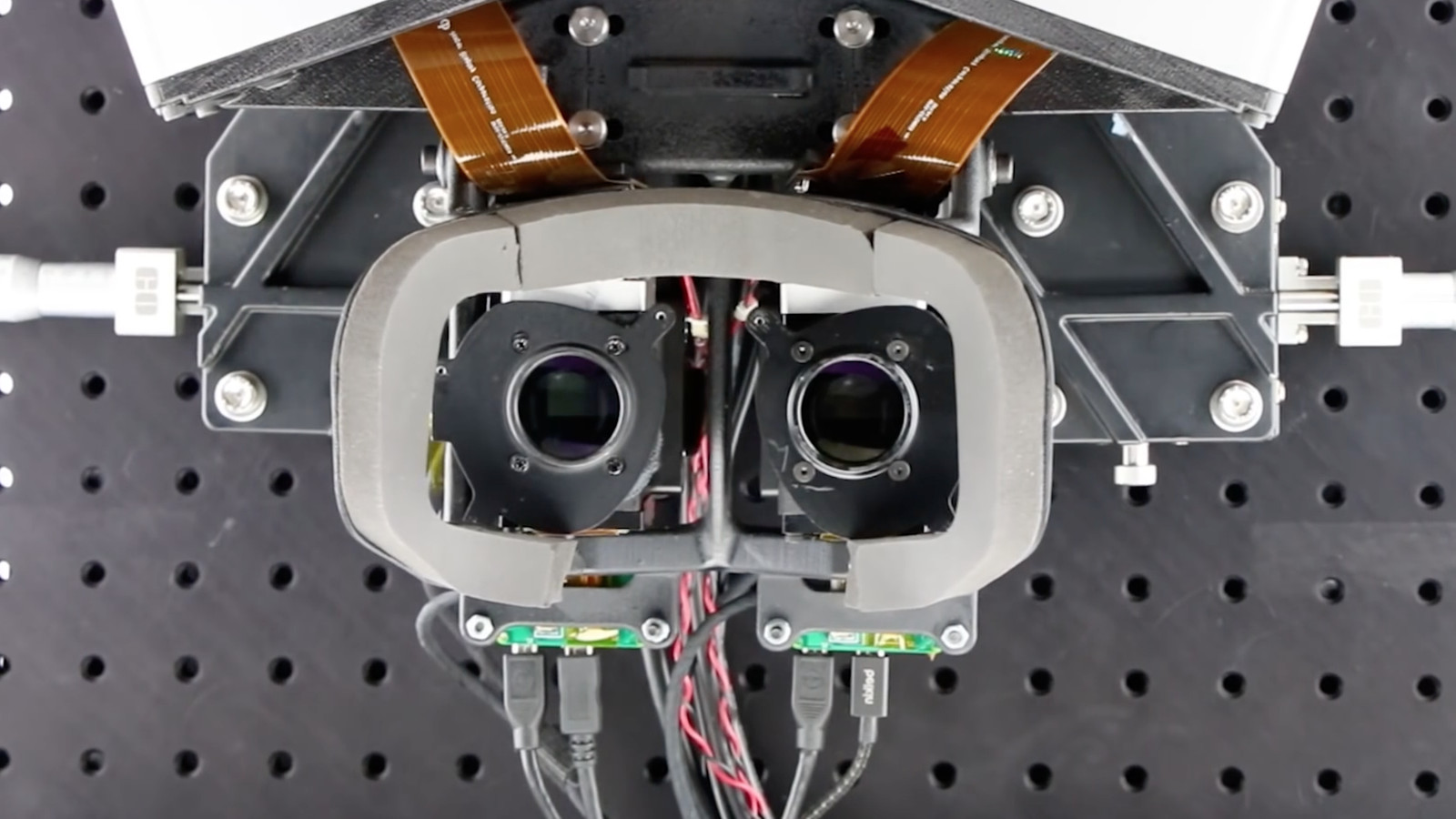 photo image Oculus Research's focal surface display could make VR much more comfortable for our eyeballs
