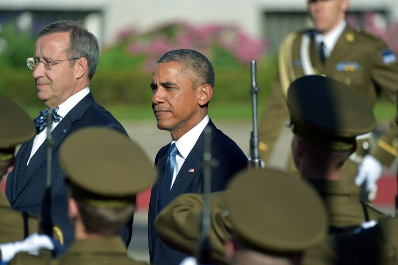 Estonia's President Toomas Hendrik Ilves (L) and US President Barack Obama (2nd L) inspect a military honor guard prior to meetings at the Kadriorg Palace in Tallinn, Estonia (ILMARS ZNOTINS/AFP/Getty)
