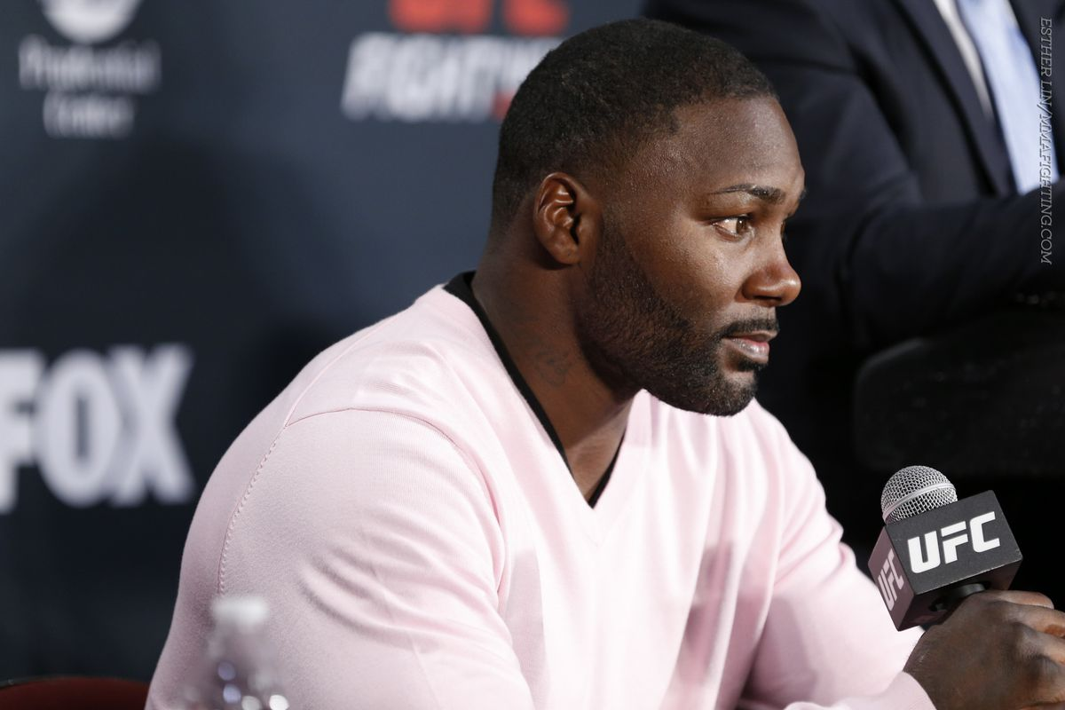 UFC 210 Corner Audio Reveals Anthony Johnson Appearing To Ignore Coach