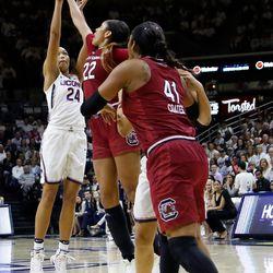 #6 South Carolina vs #1 UConn