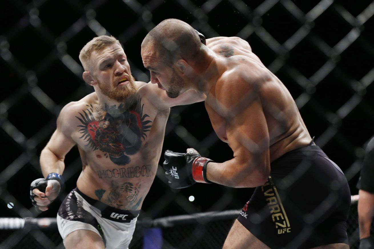 Mark Henry says Conor McGregor can knockout Floyd Mayweather Jr. within four rounds