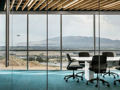 Design firm Rapt Studio translates internet companies? digital presences into physical offices