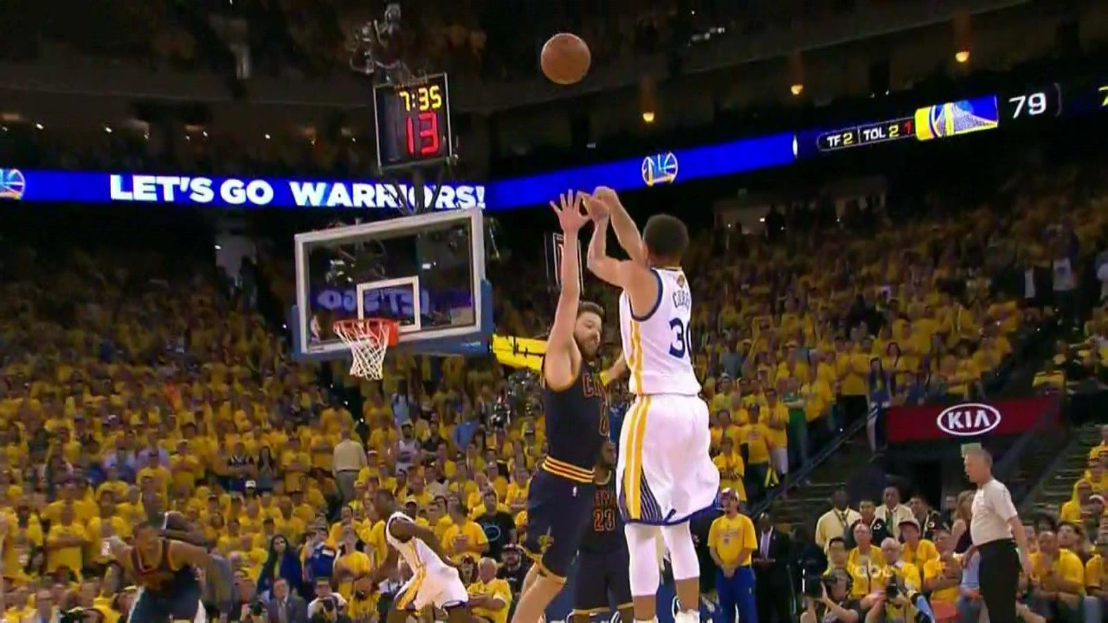 Stephen Curry made Matthew Dellavedova dance like he was on ice and flashed the best mean face ...