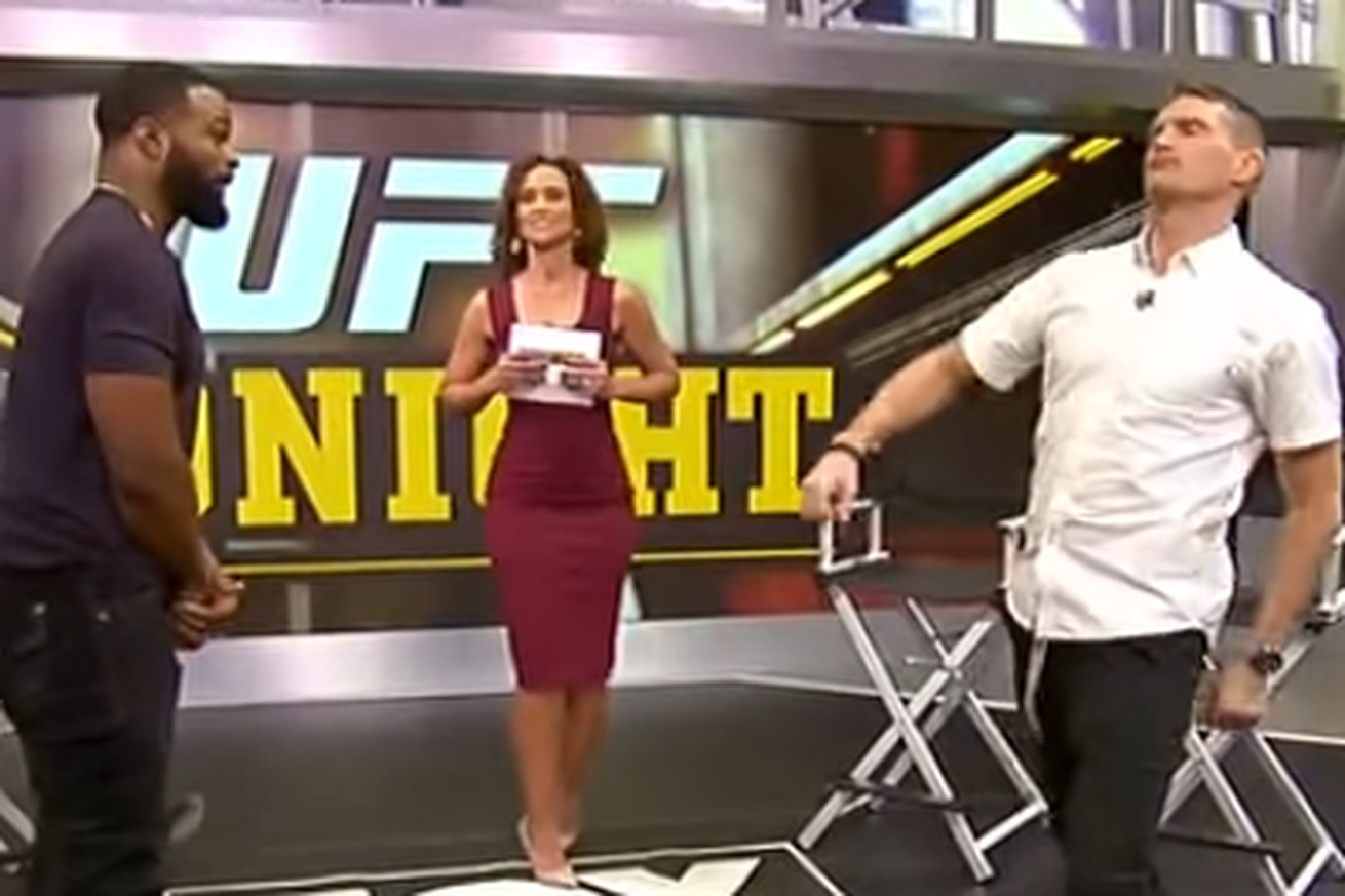 UFC charades: Watch Stephen Thompson pull off perfect Conor McGregor power walk impression