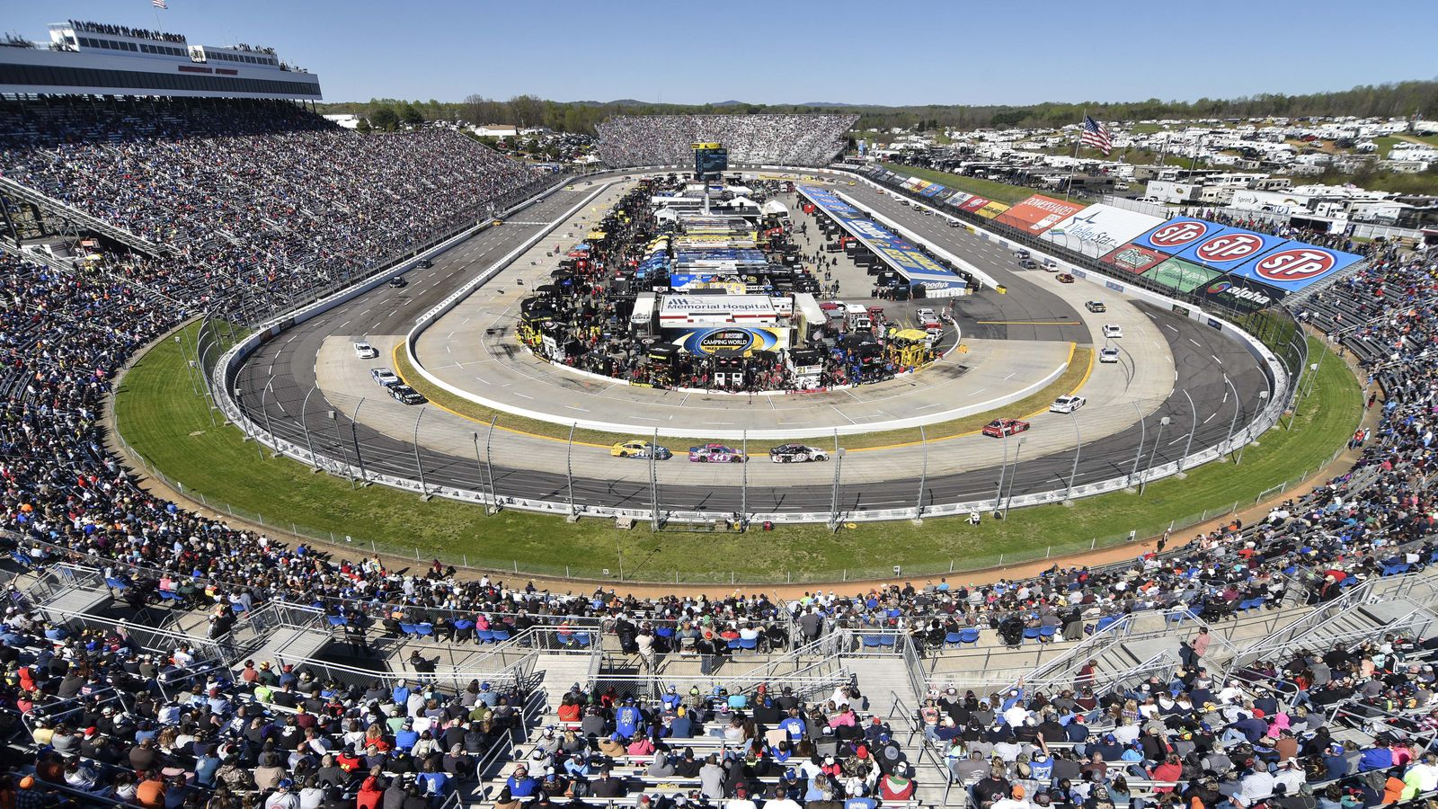 Martinsville speedway will install led lights for 2017 for Atlanta motor speedway lights 2017