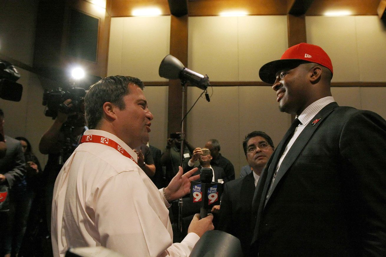 """Jameis Winston apologizes for sexist remarks, saying girls should be """"quiet, polite, gentle"""""""