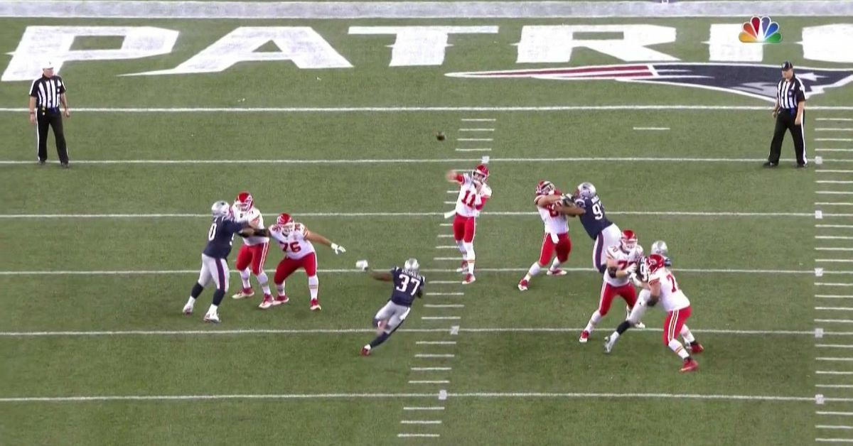 Alex Smith is bombing all over the Patriots, just like no one expected