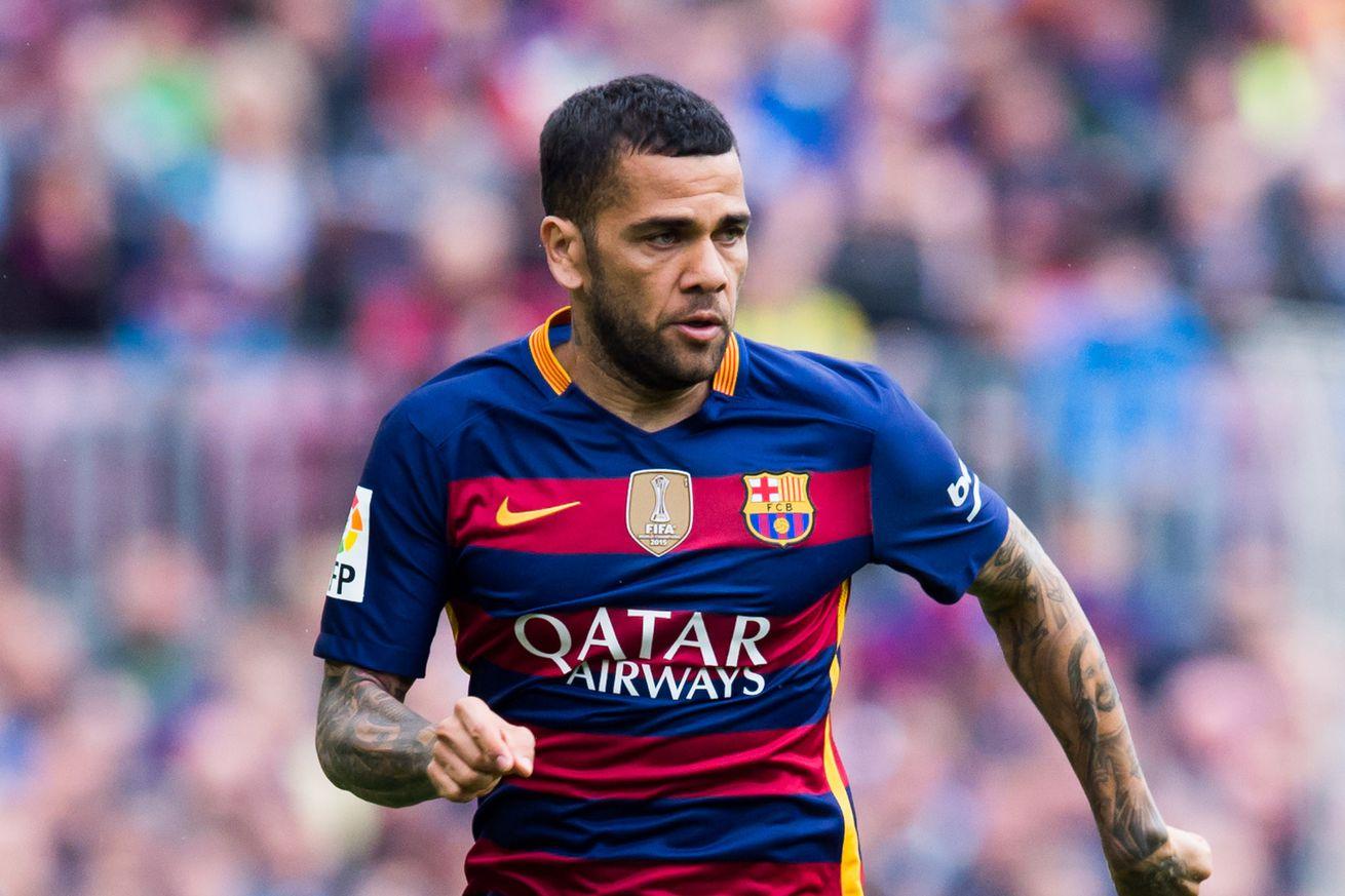 95e6d9483a8 Former FC Barcelona and Current Juventus RB Dani Alves Attacks Barça Board