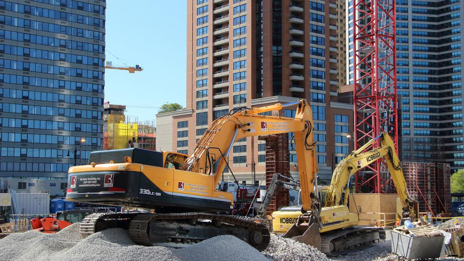 A Look At Twelve Projects Under Construction In Chicago S