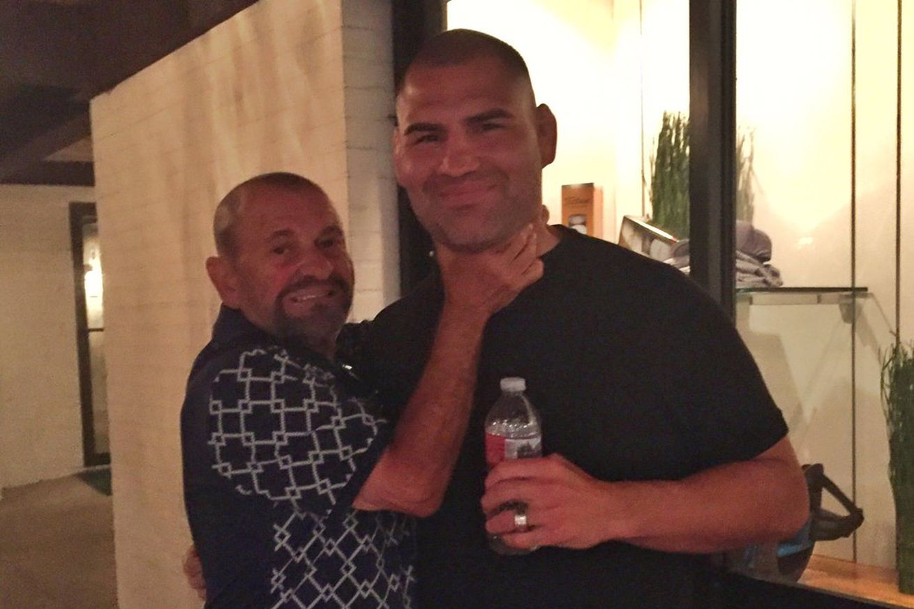community news, Pic: Cain Velasquez just got whacked by Tommy DeVito