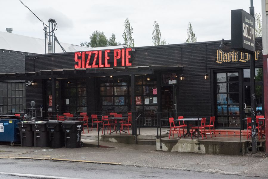 Peek Inside Sizzle Pie The Portland Pizza Chain Arriving
