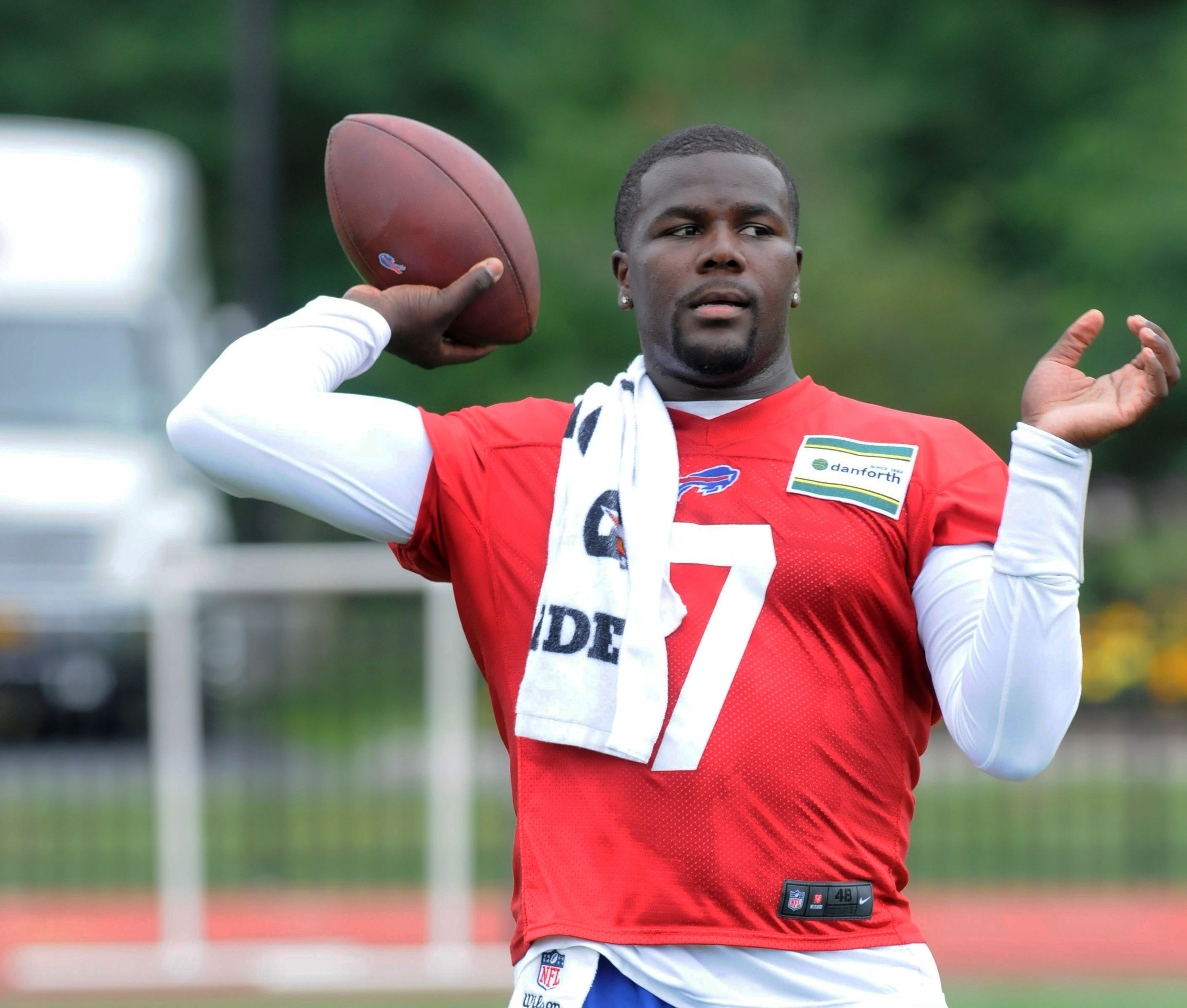 cardale women Cardale jones had ohio state fans  cardale jones pulls twitter prank, says he is transferring  acting like you read something about me beating women.