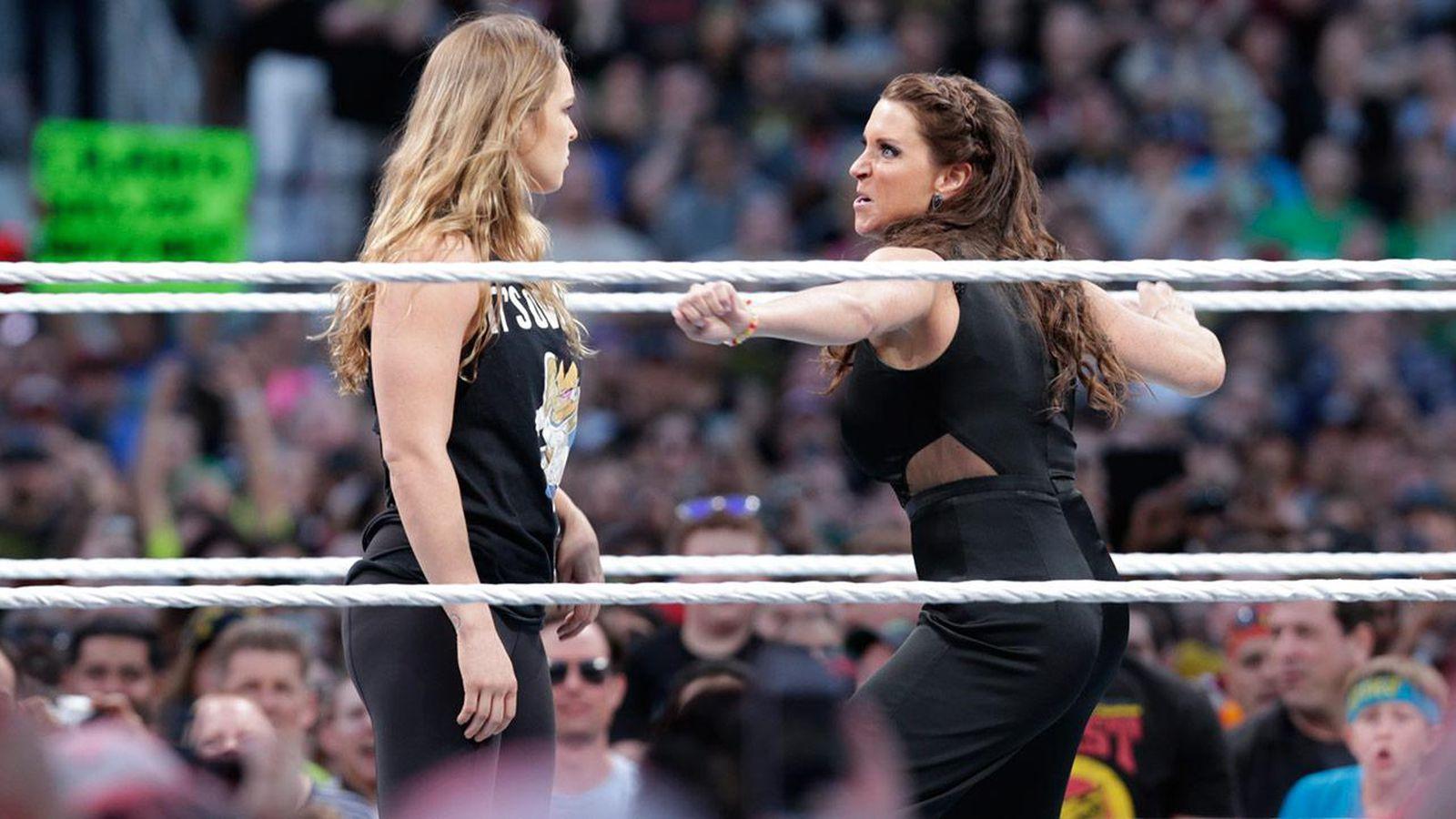 WWE 2K20 Ronda Rousey vs Stephanie McMahon - YouTube