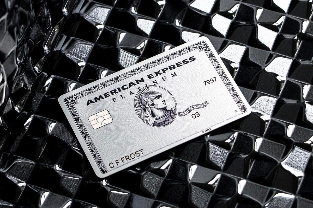 American Express Escalates High-Fee Card Competition