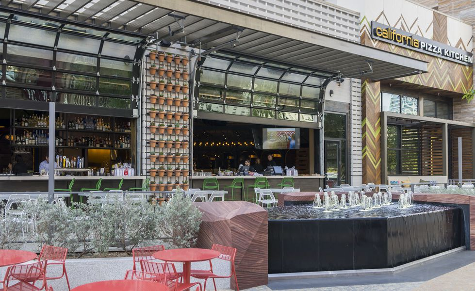 California Pizza Kitchen No 6 Brings Its 39 Next Chapter 39 Menu To The Park Eater Vegas