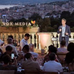 Jim Bankoff (Chairman & CEO, Vox Media) gives a toast to the guests.