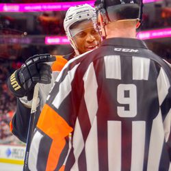 Simmonds trying to work his charm