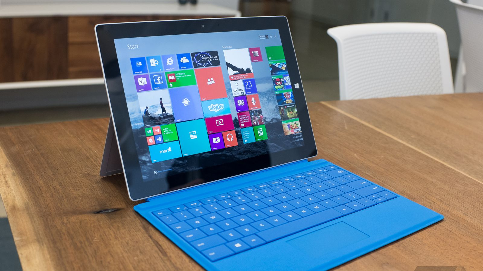 Surface 3 Dengan Keyboard Case