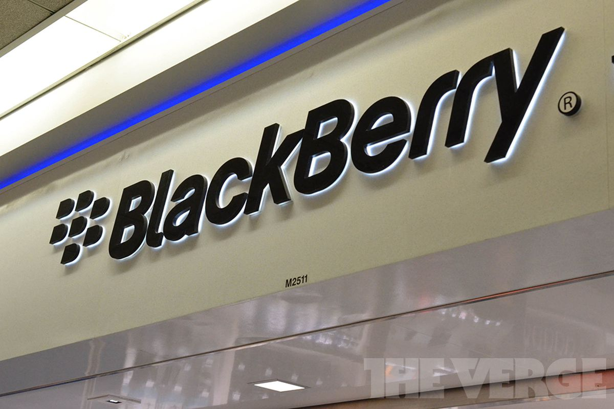 Blackberry To Retreat From Consumer Market, Lay Off 4,500