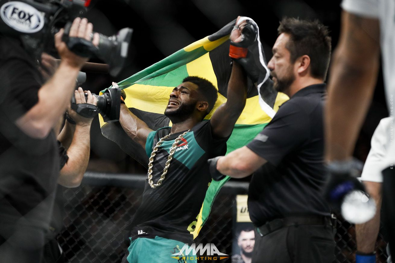 Aljamain Sterling thought of retiring if he didn't get decision against Augusto Mendes