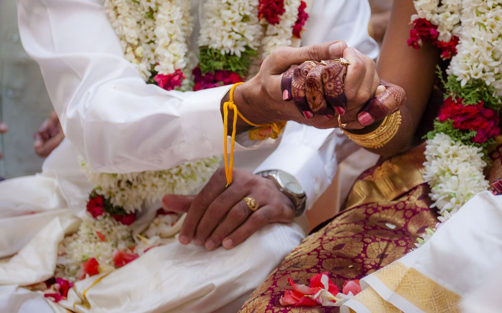 short essay on indian marriage The marriage party was served with a grand dinner most of the guests present at the time of the reception took leave of my uncle and went away after the dinner most of the members of the marriage party did not stay for die night.