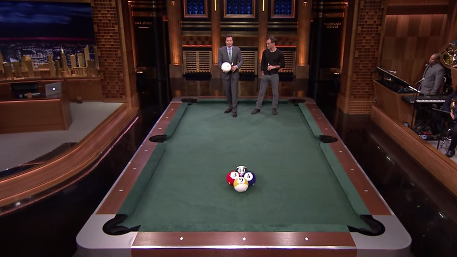 Jimmy fallon and jude law play a sorry but hilarious for Pool game show