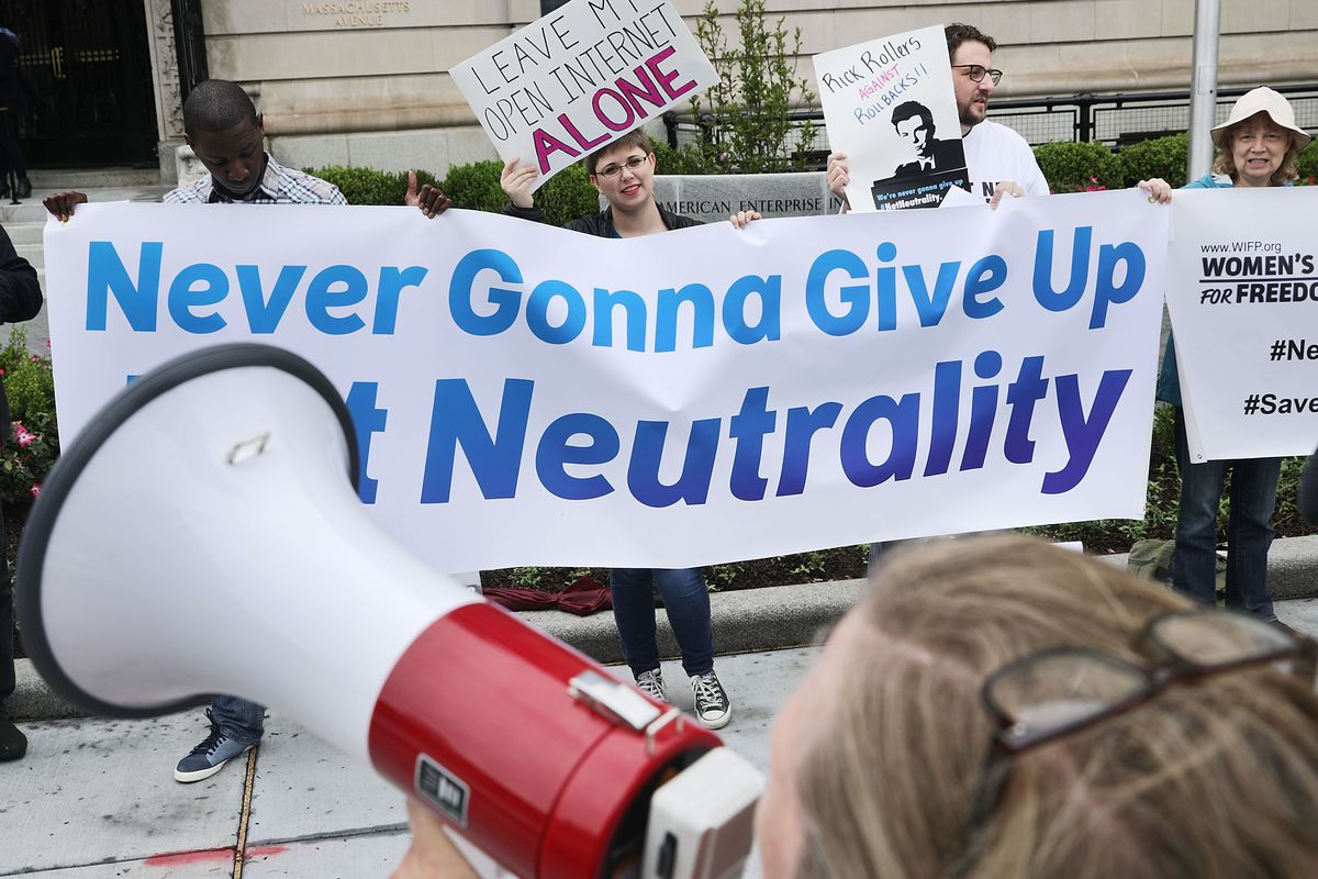 Anti-net neutrality spammers are impersonating real people to flood FCC comments