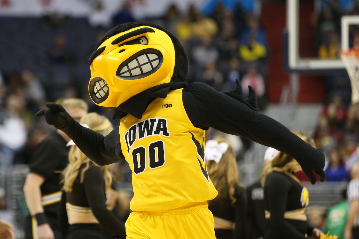 Hawkeyes to Host 2017 WNIT on Thursday