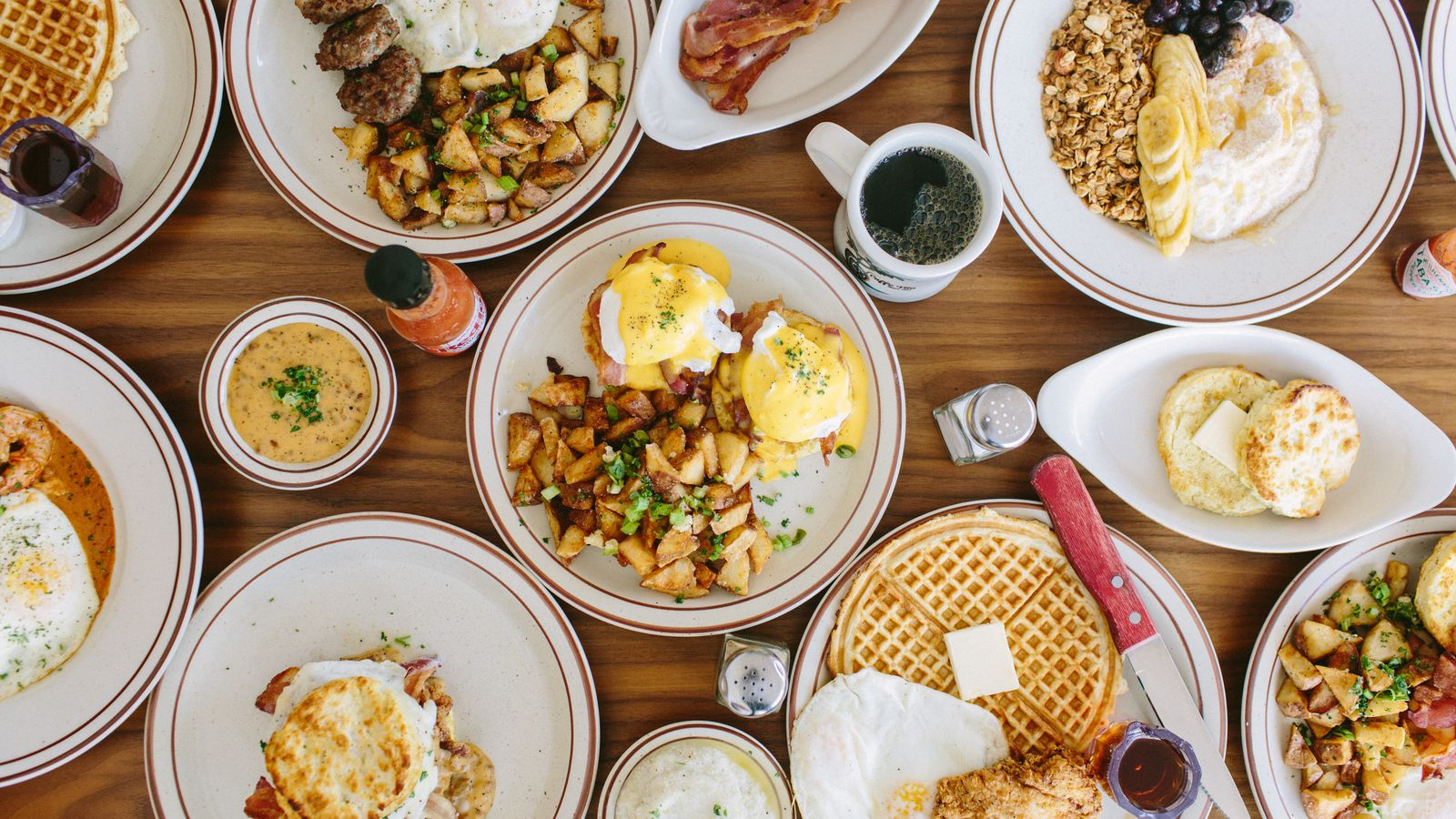 Fat 39 s chicken and waffles rolling out brunch this weekend for Table 6 brunch