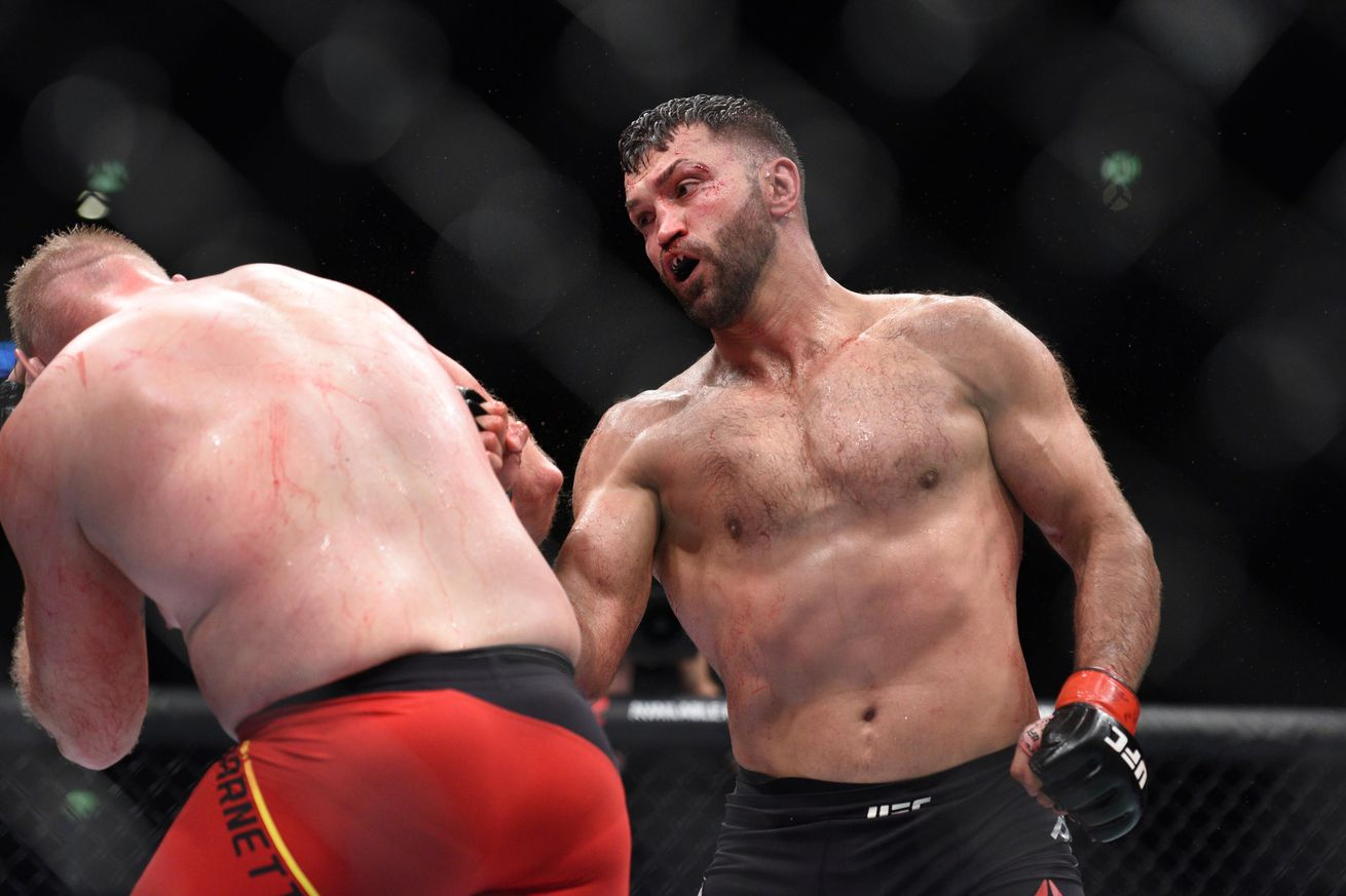 Former UFC champ Andrei Arlovski flirts with the idea of another boxing run