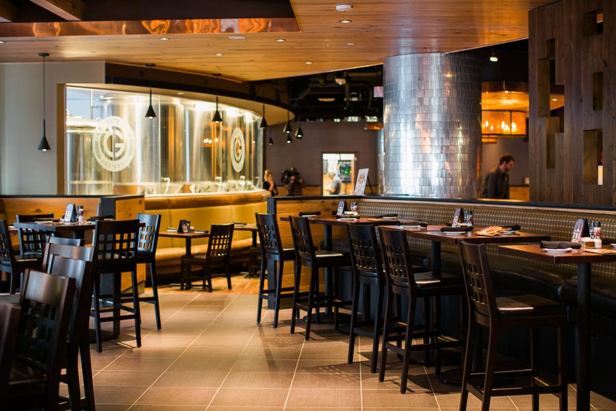 Look inside the rencen 39 s gargantuan granite city food for Best private dining rooms twin cities