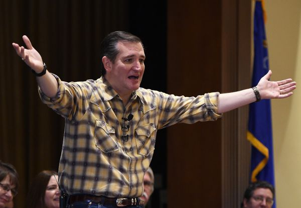 """""""Maybe they will be distracted from debating my immigration record by this TERRIBLE CHECKERED SHIRT."""""""