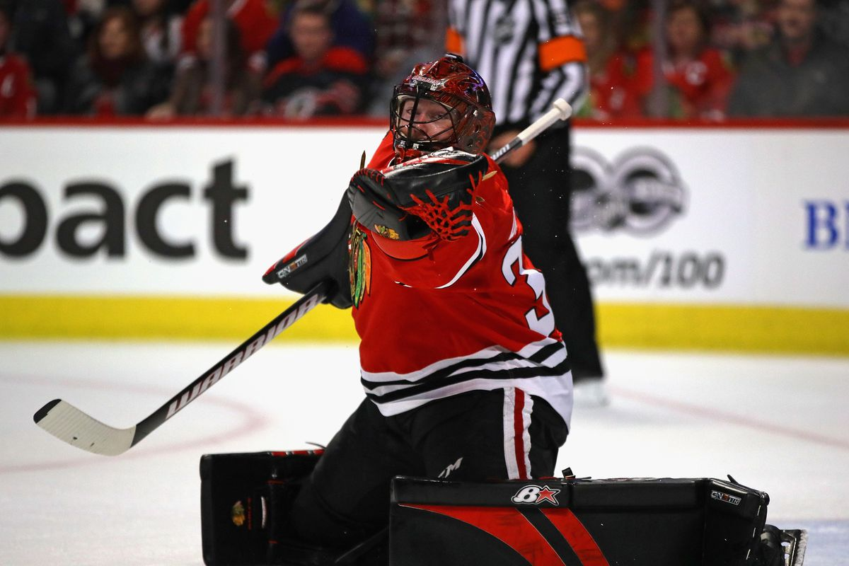 Hurricanes give up third-rounder for goalie Scott Darling