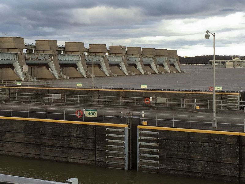 Smithland lock and dam, on the Kentucky/Illinois border, scheduled for a hydropower upgrade.