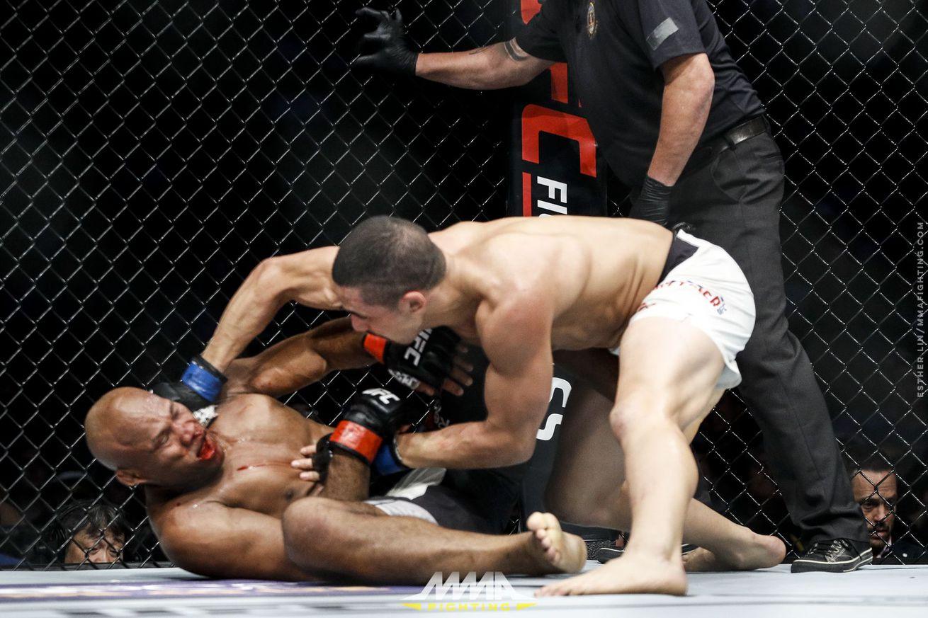 Mario Yamasaki defends stoppage in Robert Whittaker 'Jacare Souza fight