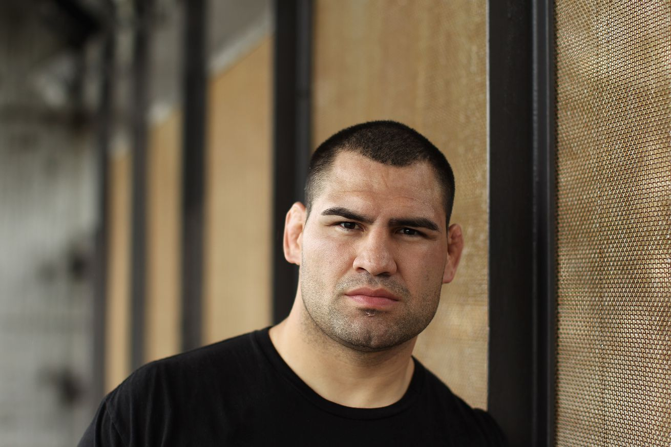 Coach: Cain Velasquez rarely trains, won't be fighting in UFC anytime soon