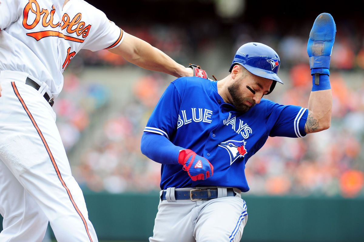 Morales homers, Blue Jays bullpen holds off Brewers 4-3