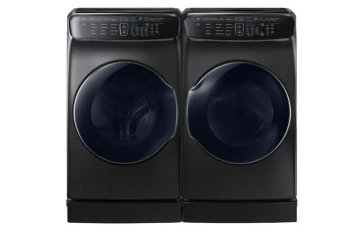 samsung s new four in one washer dryer takes laundry to the to be fair we ve already seen a dual load washing machine before in the form of lg s twin wash system but lg s system only allowed you to wash two loads