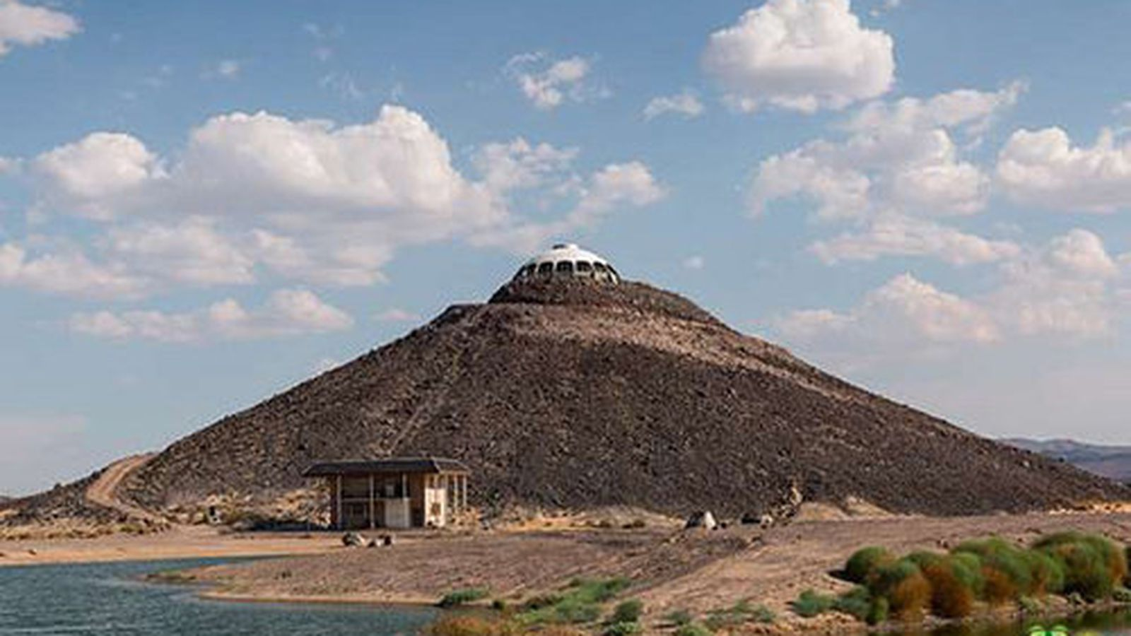 Huell Howser S Volcano Top Saucer House In The Mojave