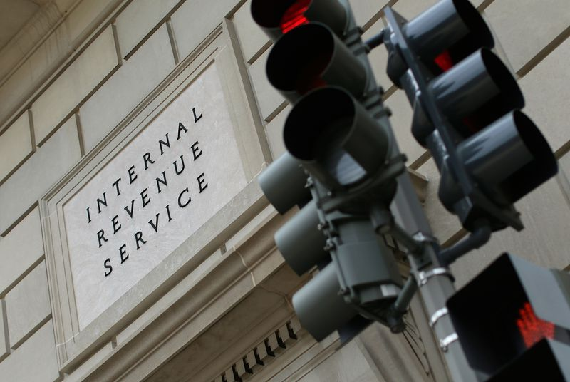 Identity thieves nabbed 100,000 tax filings from the IRS