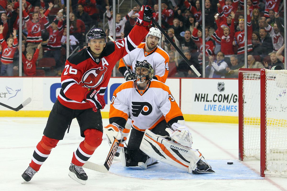 how much should the new jersey devils pay to keep patrik elias raise your hand if you a want to get paid real well this summer and b scored a goal on ilya bryzgalov usa today sports